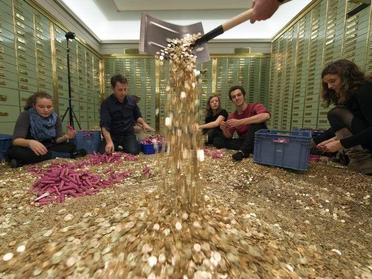 Suiza busca a los dueños de 2.600 cuentas bancarias multimillonarias abandonadas | Radio Panamericana