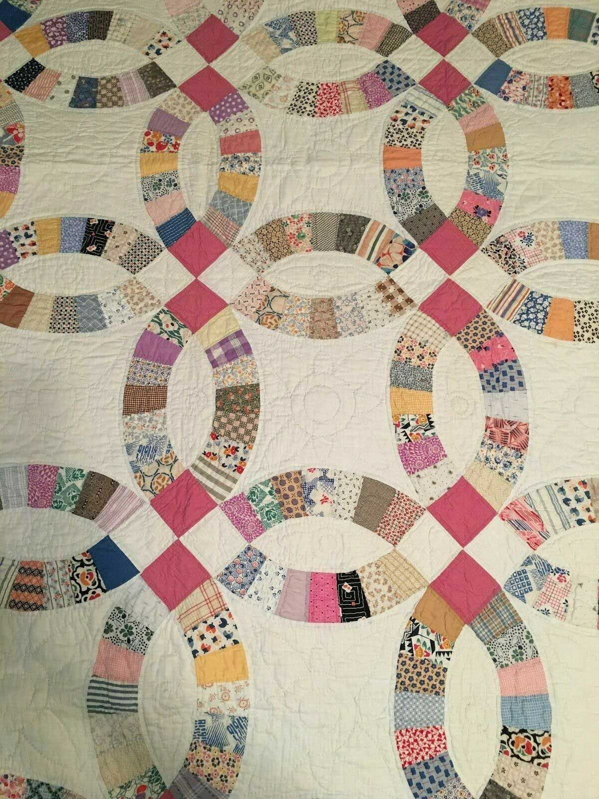 Beautiful Irish Chain And Wedding Ring Quilts 1920 S 1930 S Double Wedding Ring Quilt Wedding Ring Quilt Vintage Quilts