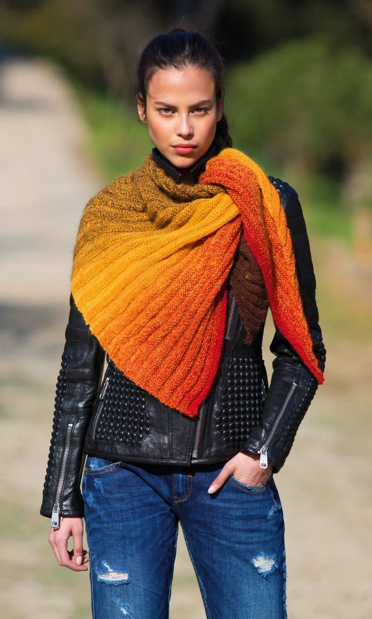 Photo of Shoulder scarf in accordion pattern – free knitting instructions