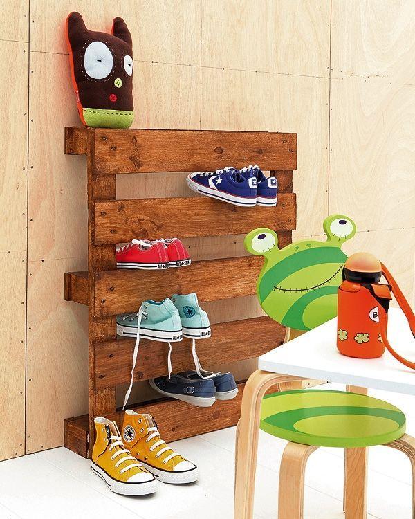 meuble en palette en bois etagere chaussures Recyclage et brico