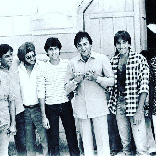 RarePic of the finest artists of bollywood  MaheshBhatt, RajendraKumar, KumarGaurav, SunilDutt & SanjayDutt Dutt from the sets of Naam is part of Vintage bollywood -
