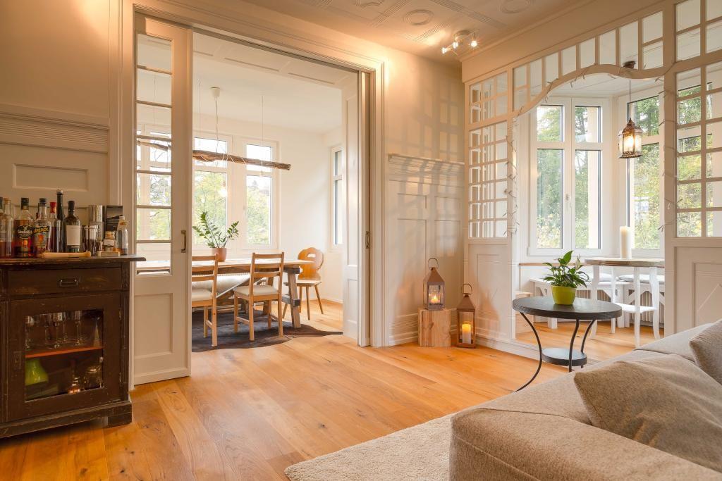 Großräumiges Wohnzimmer Mit Blick In Den Essbereich. #Wohnzimmer  #Einrichtung #livingroom #Esszimmer