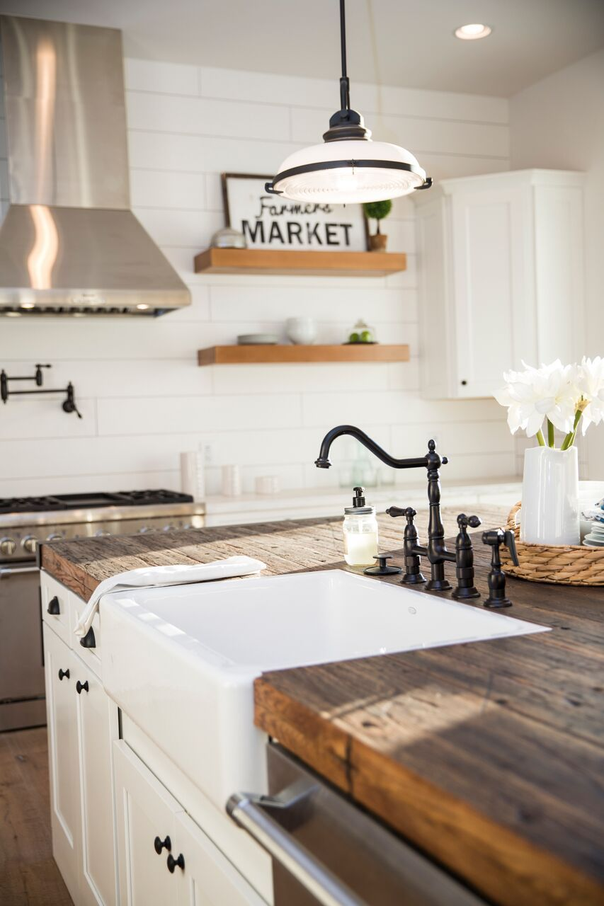 Farmhouse Kitchen With Wooden Counter Tops Farmhouse Kitchen Countertops Farmhouse Kitchen Design Farmhouse Sink Kitchen