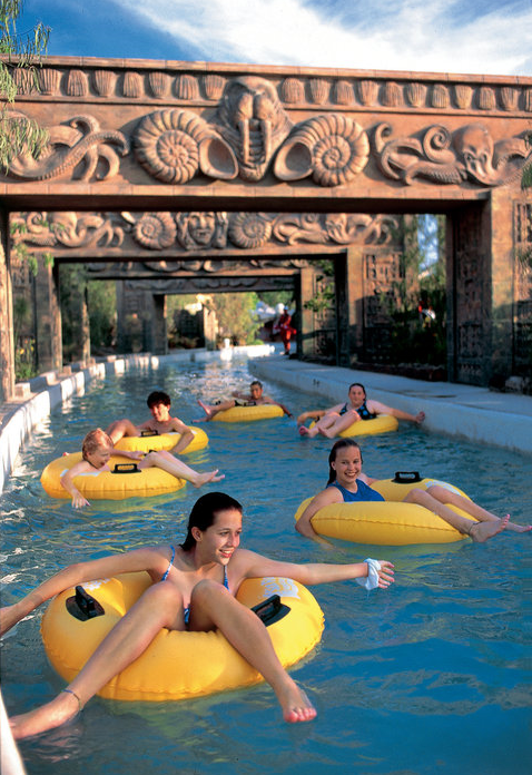 Six Flags Magic Mountain Hurricane Harbor Santa Clarita Ca Hurricane Harbor Water Park Theme Park