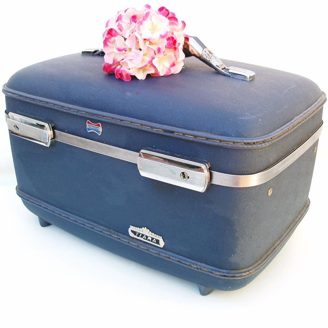 1960s American Tourister Train Case Tiara Blue Makeup Bag