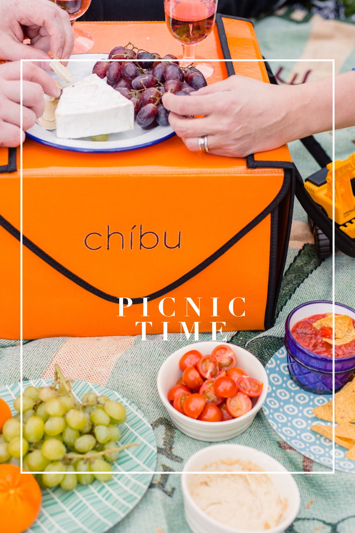 Chíbu carriers are great picnic baskets as well as a cake
