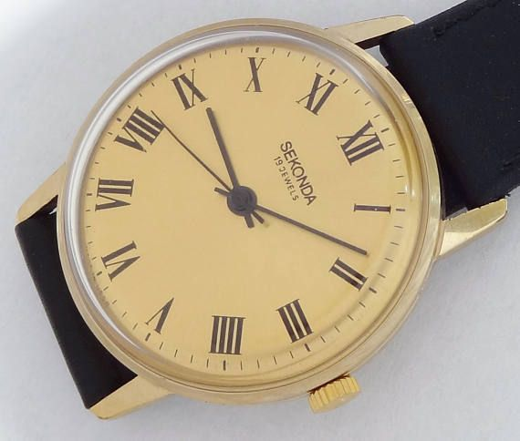 19 Jewels Made In Ussr Sekonda Wind Up Men S Vintage Watch Vintage Watches Men S Vintage Watch Sekonda