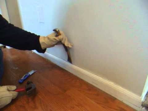 How To Remove Wood Molding Quarter Round Baseboard Skirting Mopboard Floor Molding Trim Youtube Floor Molding Wood Molding Baseboards
