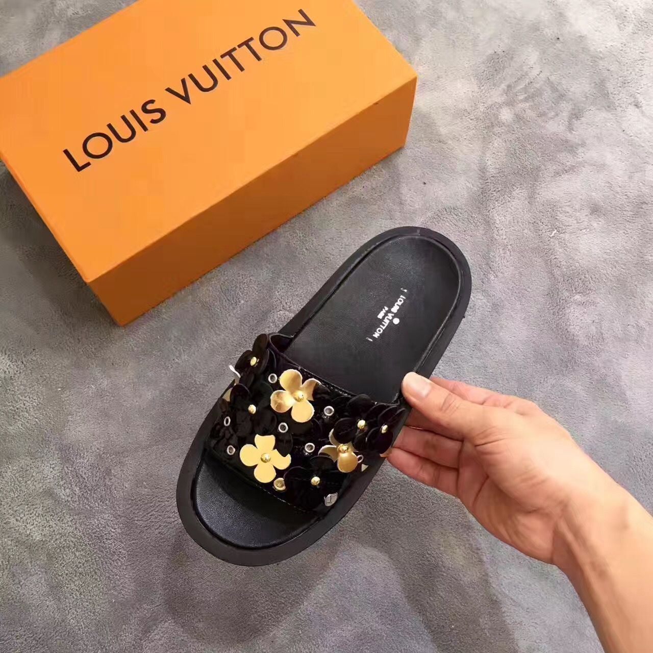 294543fcc6138 Louis Vuitton lv woman shoes flowers slippers slides | ابو ابو ابو ...