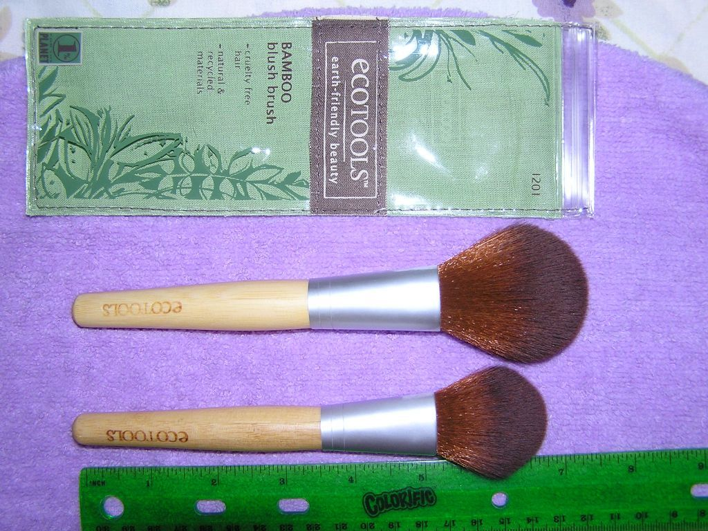 EcoTools Bamboo Blush Brush reviews, photos, ingredients