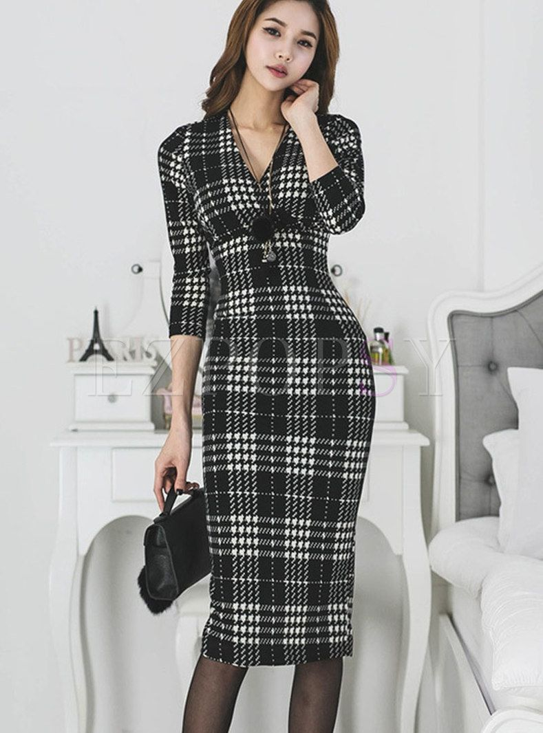 Stylish Plaid Vneck Long Sleeve Bodycon Dress in 2020