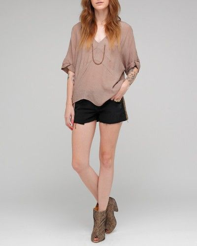 yet another nude, oversized top that i'm obsessed with