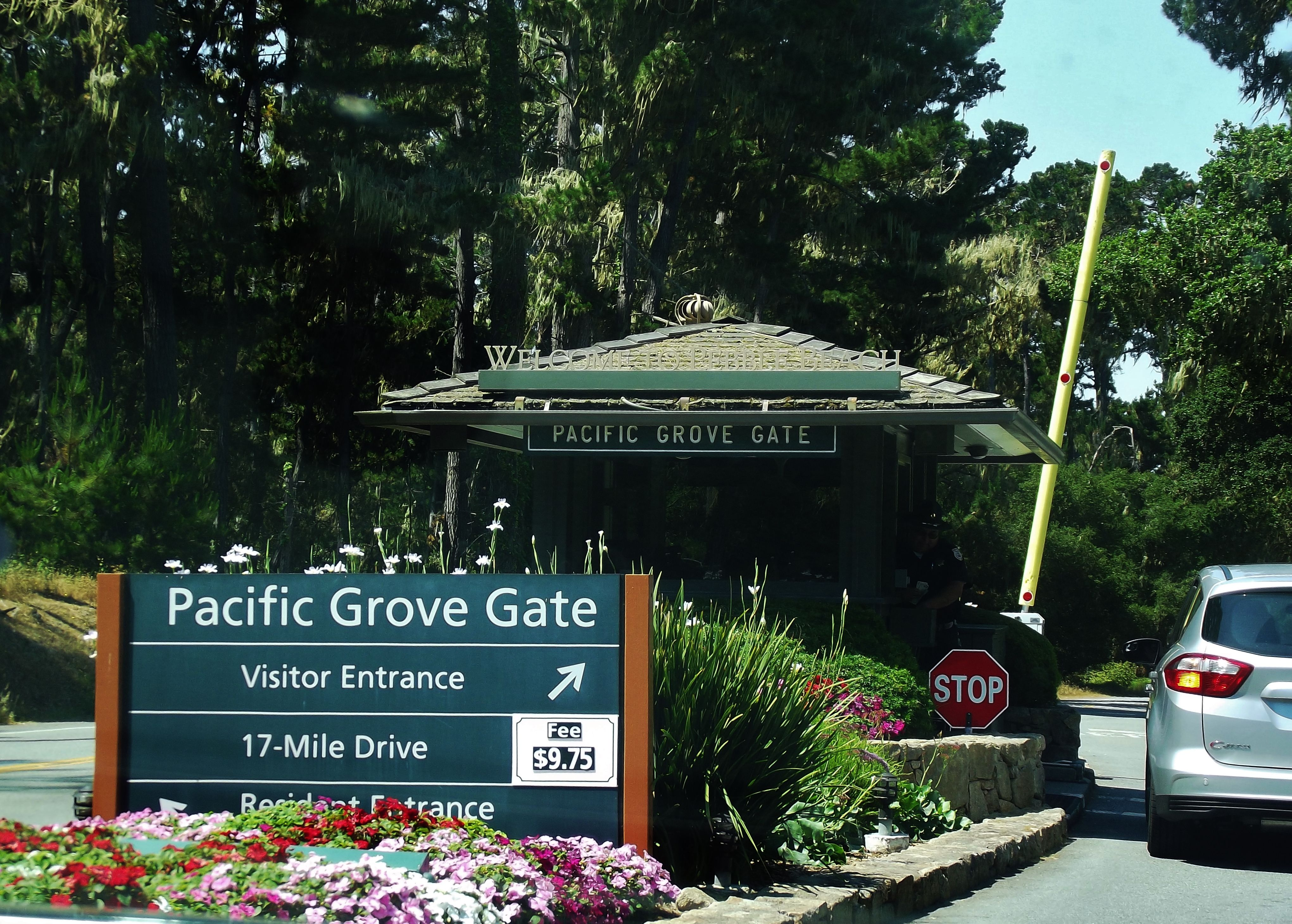 ca cottage pacific motels gallery grove suite buttefly lodge room hotels butterfly master family inns cottages inn lighthouse photo and