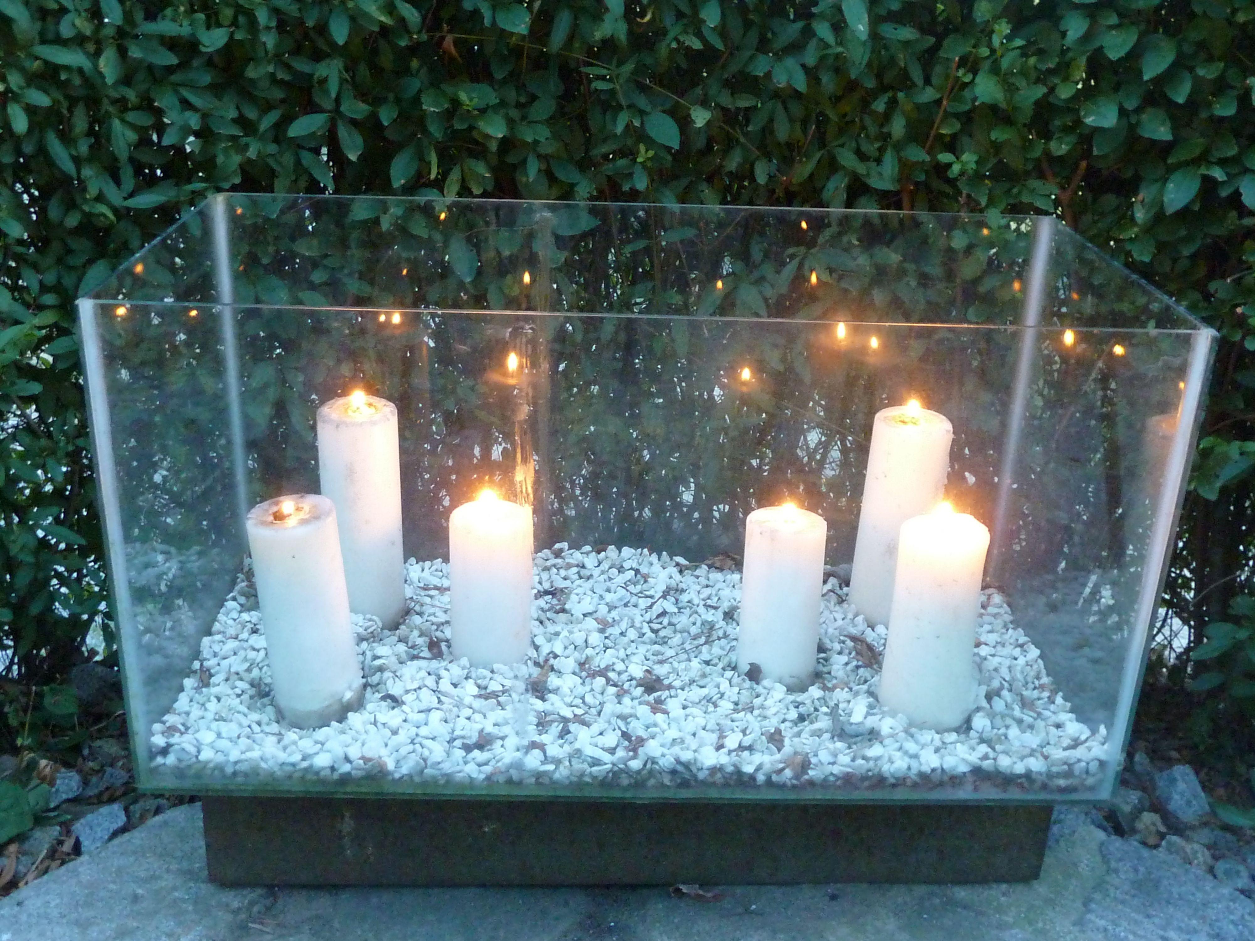 Kerzen In Einem Alten Aquarium F R Das N Chtliche