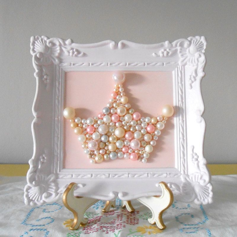 Crown art on pinterest craft books gourd crafts and kites craft - Wall decoration with pearls ...