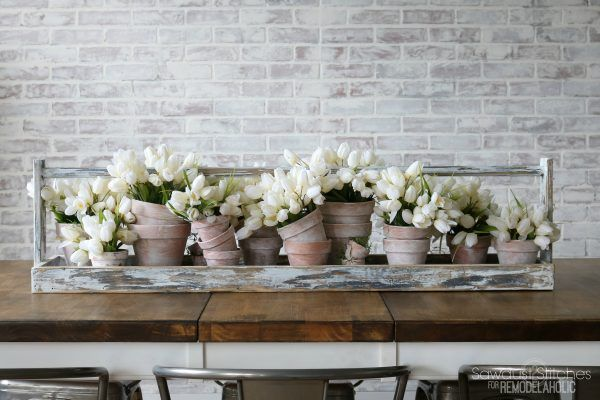 Diy Long Table Runner Tray For A Centerpiece Spring Table Decor