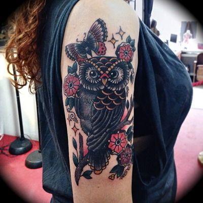 Buho Entre Flores Y Mariposa Tatuajes Al Azar Tatuajes Y Tapar