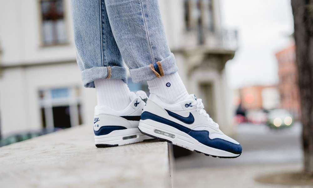 Nike - WMNS Air Max 1 (weiß   blau) - 319986-104  28d00c437