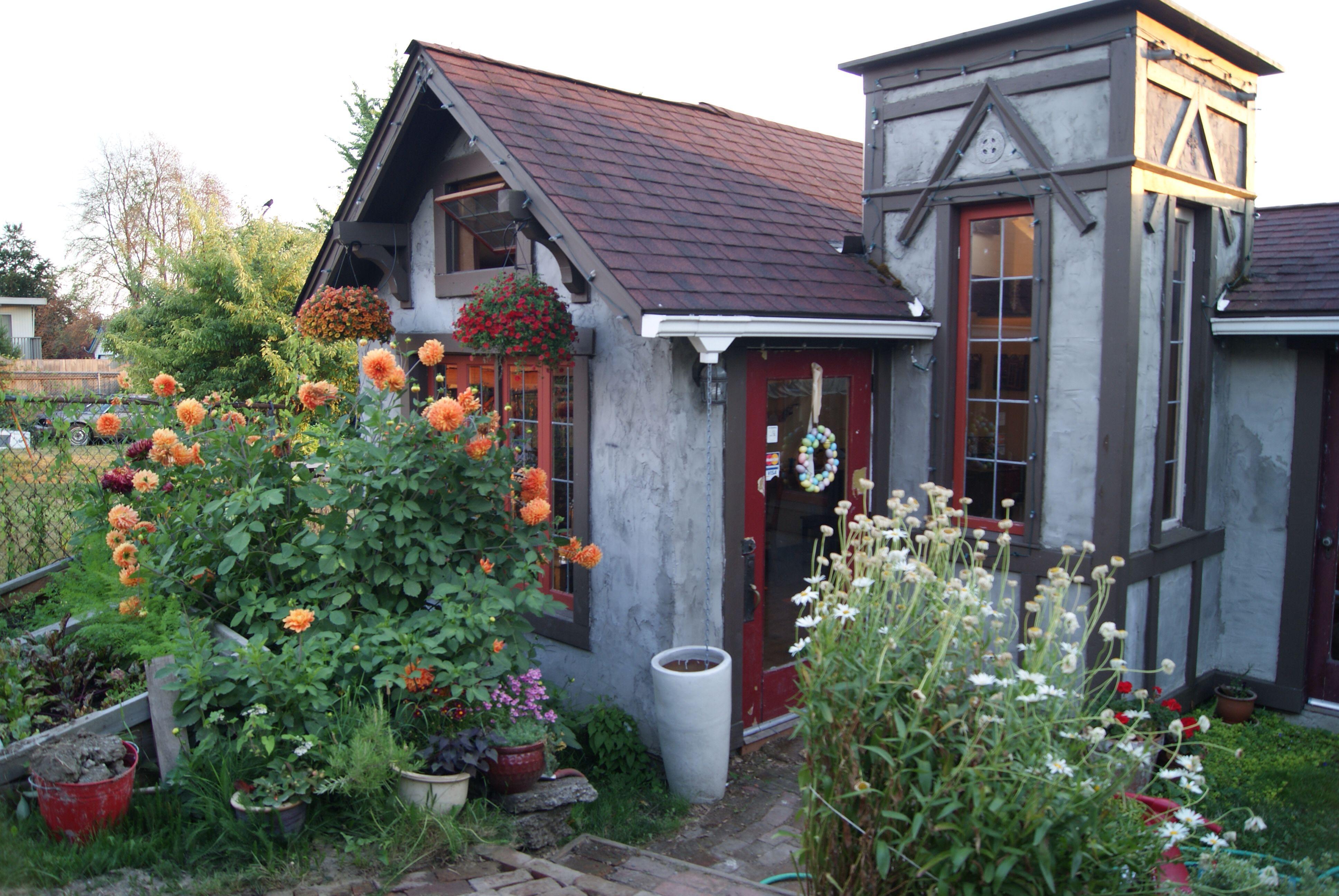 The original Little Mansion. 320 sf garden cottage. www ...