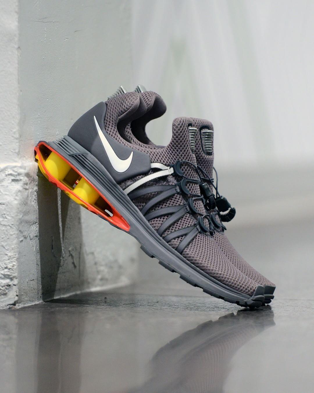 51f2a09d02f9 techwear - Nike Shox Gravity