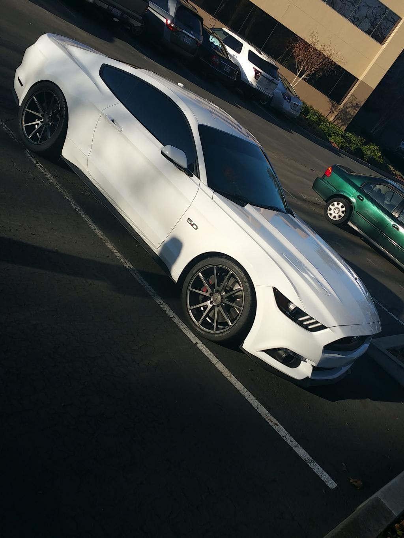 White 2015 Mustang GT on Matte Graphite VFS1 Mustang
