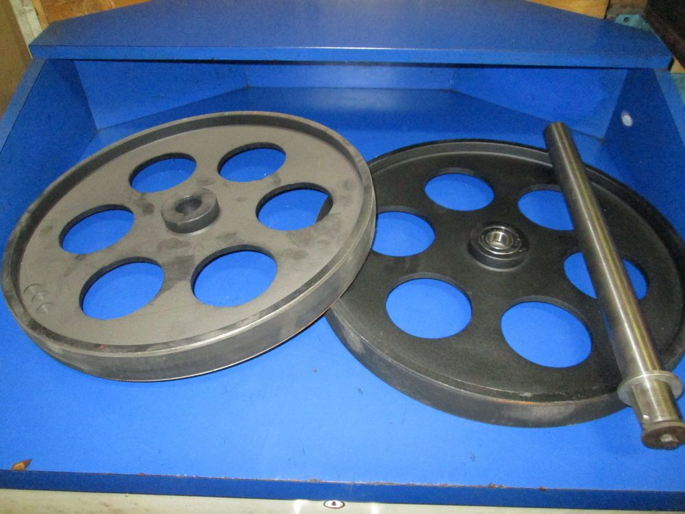 Bandsaw Wheels Bandwheels 18 Quot Pair W Shaft Brand New Real