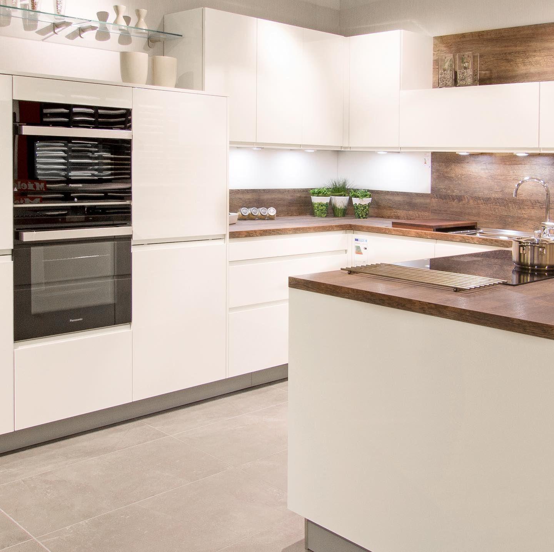 🍴🥘 Ergonomie in der Küche 🥘🍴 Schluss mit Rückenschmerzen bei der  Küchenarbeit! 🦒 ↪️ Kommen Sie zu uns in die Ausstellung und wir e… |  Kitchen, Home, Home decor