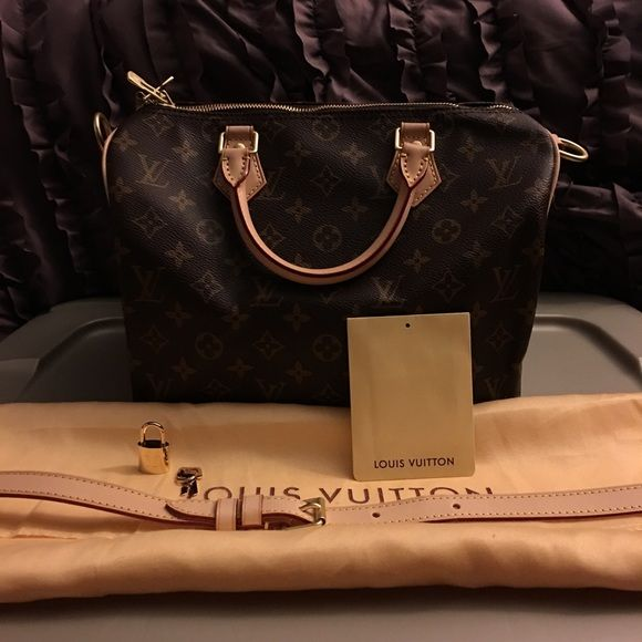 Brand new speedy30 Bandouliere!! Brand new never used leather speedy 30 Bandouliere handle an trim will patina! Has its own date code! Very nice an thick handbag everything included in pic! Great gift! Please feel free make reasonable offer no low ballers! Thanksgiving sale!! Louis Vuitton Bags Satchels