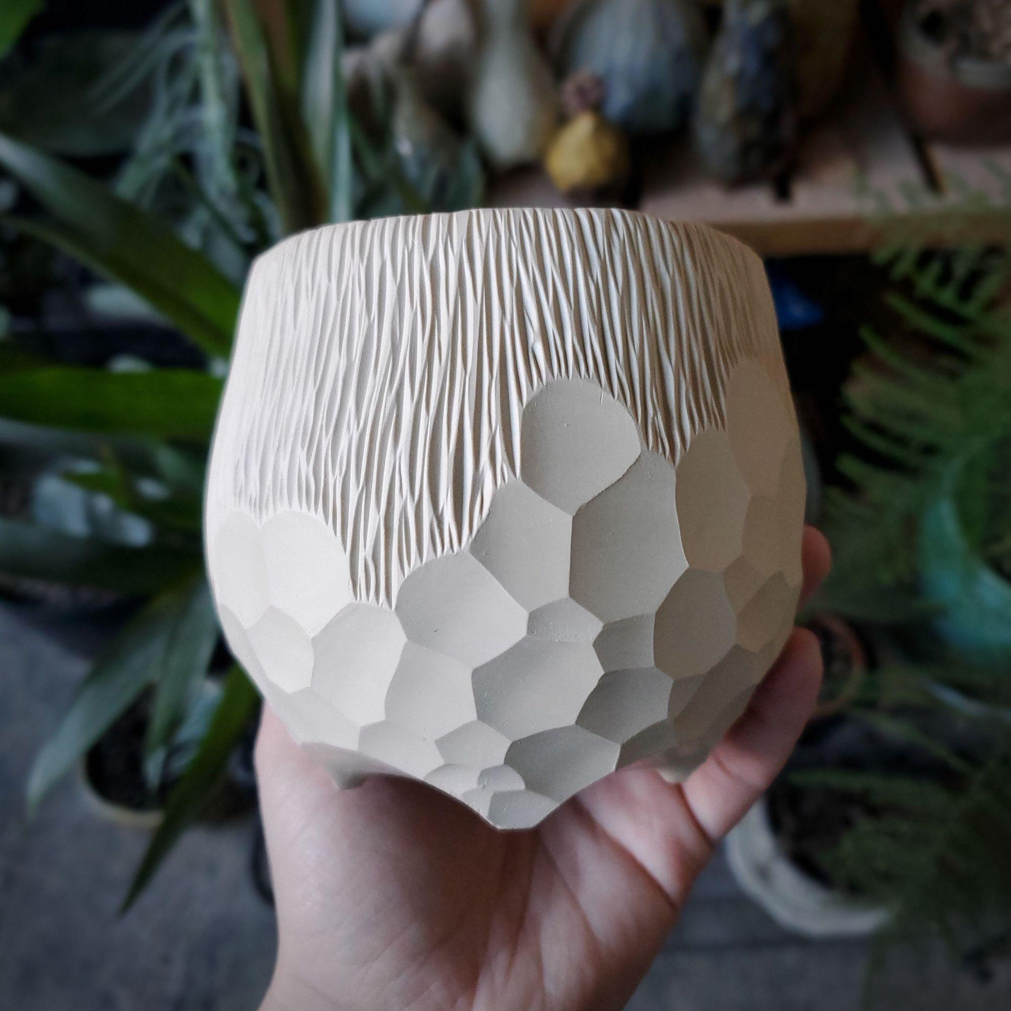 Just an appreciation for texture.  . . . . . .  #kaiceramics #kaitlynchipps #kaitlynceramics #pottery #ceramics #elvish #whimsical  #kilntotable #fantasy #ceramicart #art #fantasyinspired #femaleartist #potterymagic #elegant #elegance #porcelain #earthy #ethereal #makersgonnamake #pottersofinstagram #potterylife #potterywip #artwip