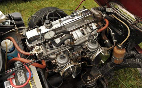 Triumph Gt6 Engine Bay In 2 Motorsports Engine Classic Sports