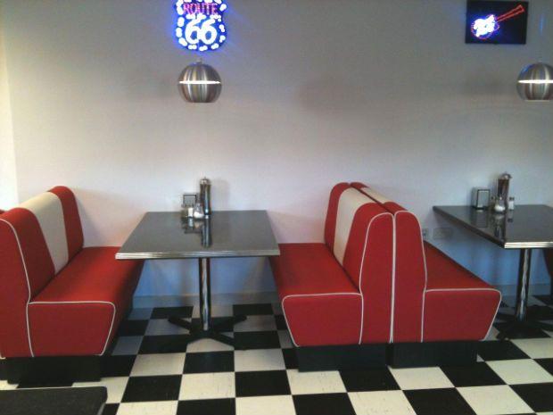 American 50 S Retro Dining Kitchen