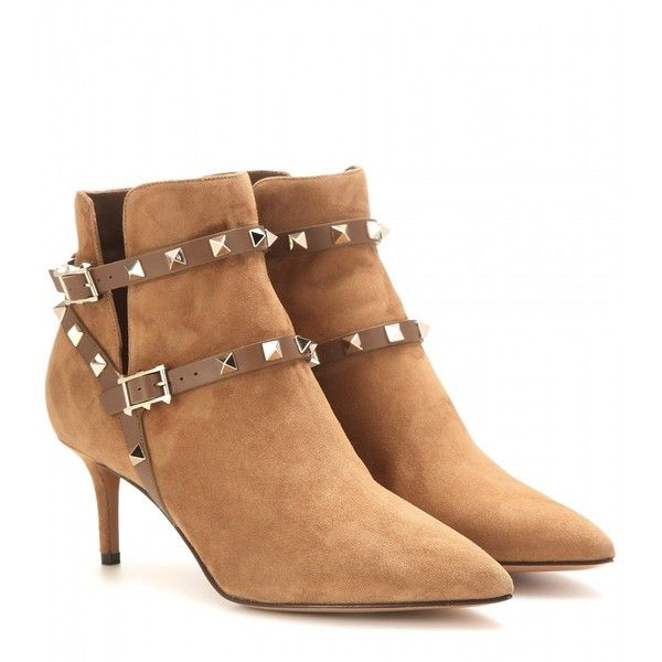 Valentino Rockstud Suede Ankle Boots (26.655 UYU) ❤ liked on Polyvore featuring shoes, boots, ankle booties, valentino, brown, suede bootie, suede booties, ankle boots, short suede boots and brown suede ankle booties