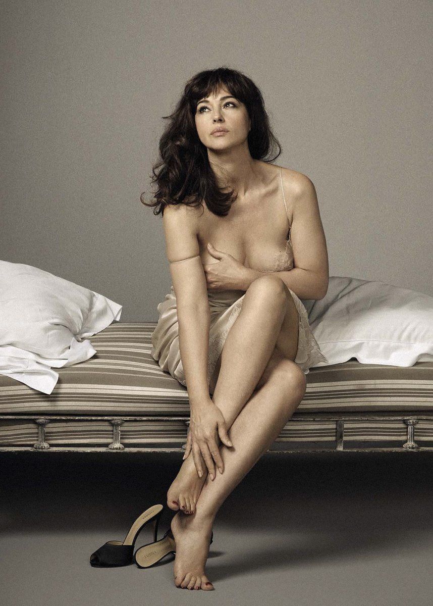 Bellucci and very sexy | Hot images)