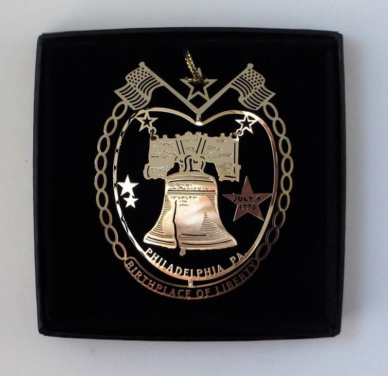 The Liberty Bell is an iconic symbol of American Independence and is located in Philadelphia, Pennsylvania. Philadelphia played an instrumental role in the American Revolution as a meeting place for the Founding Fathers who signed the Declaration of Independence in 1776.