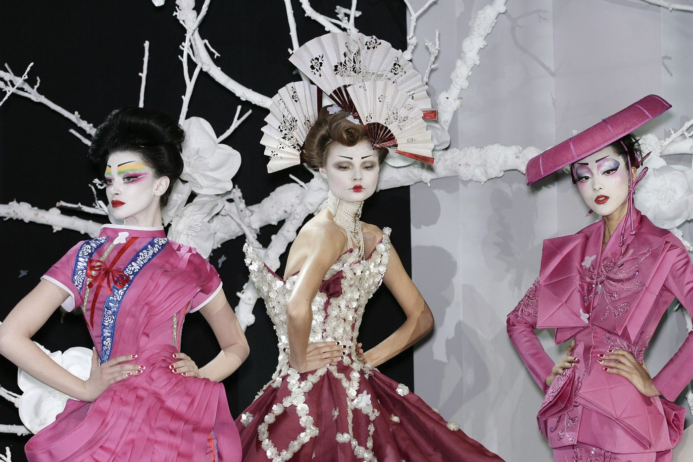 187 photos of Christian Dior at Couture Spring 2007.