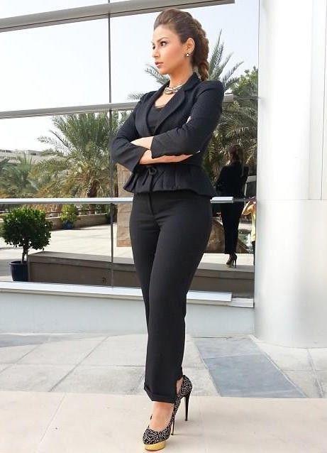 احصلي على ماكياج صباحي لعيونك مع مهيرة عبد العزيز إليك Fashion Style Professional