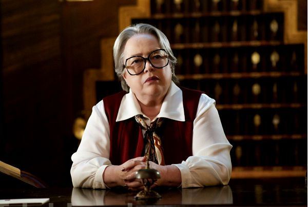 "Kathy Bates as Iris in ""AHS"" season 5 | American Horror ..."