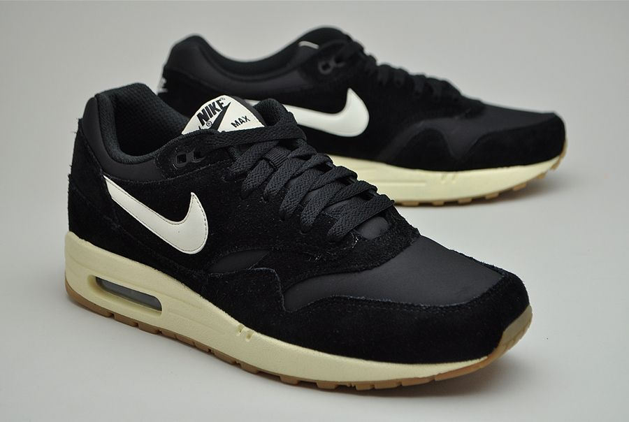 air max 1 essential black suede
