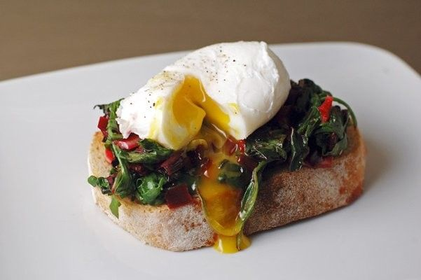 paprika red: Poached Eggs with Greens and Garlic on Toast