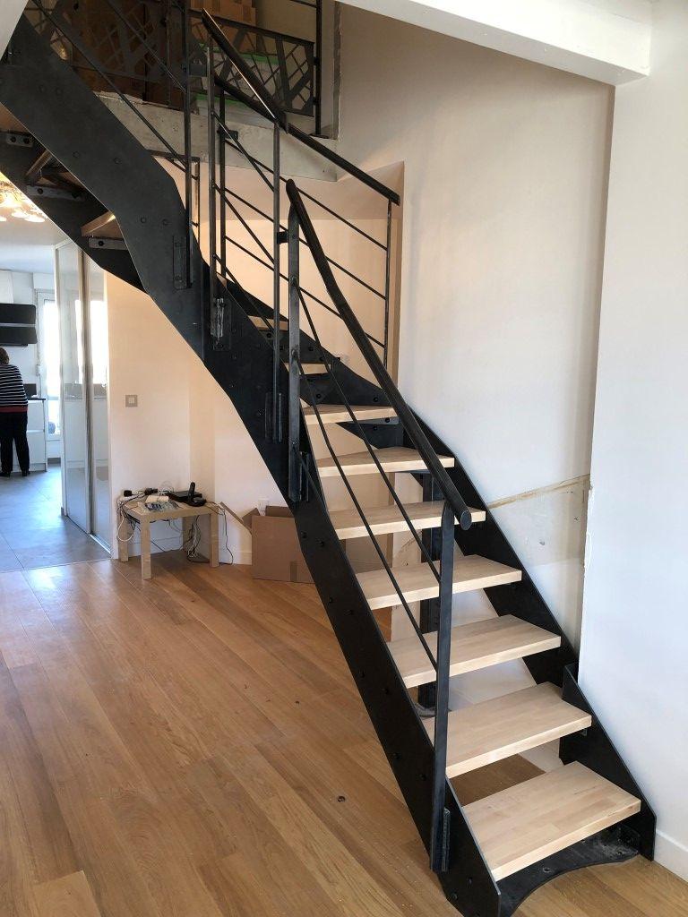 Escalier Moderne 1 4 Tournant Avec Garde Corps Et Marches En Bois