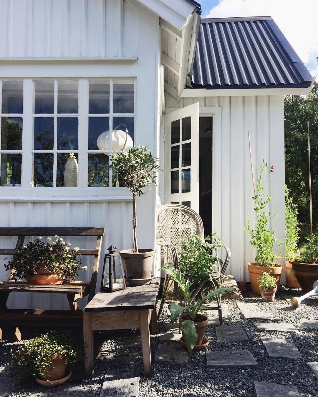 pin von helga leitner auf deko pinterest dachterasse schwedenhaus und terassen. Black Bedroom Furniture Sets. Home Design Ideas