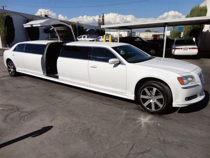 Naples Limousine provides Reliable Limousine Service in