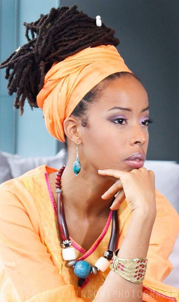 Love This Wrap And Bun Combo Scarf Hairstyles Natural