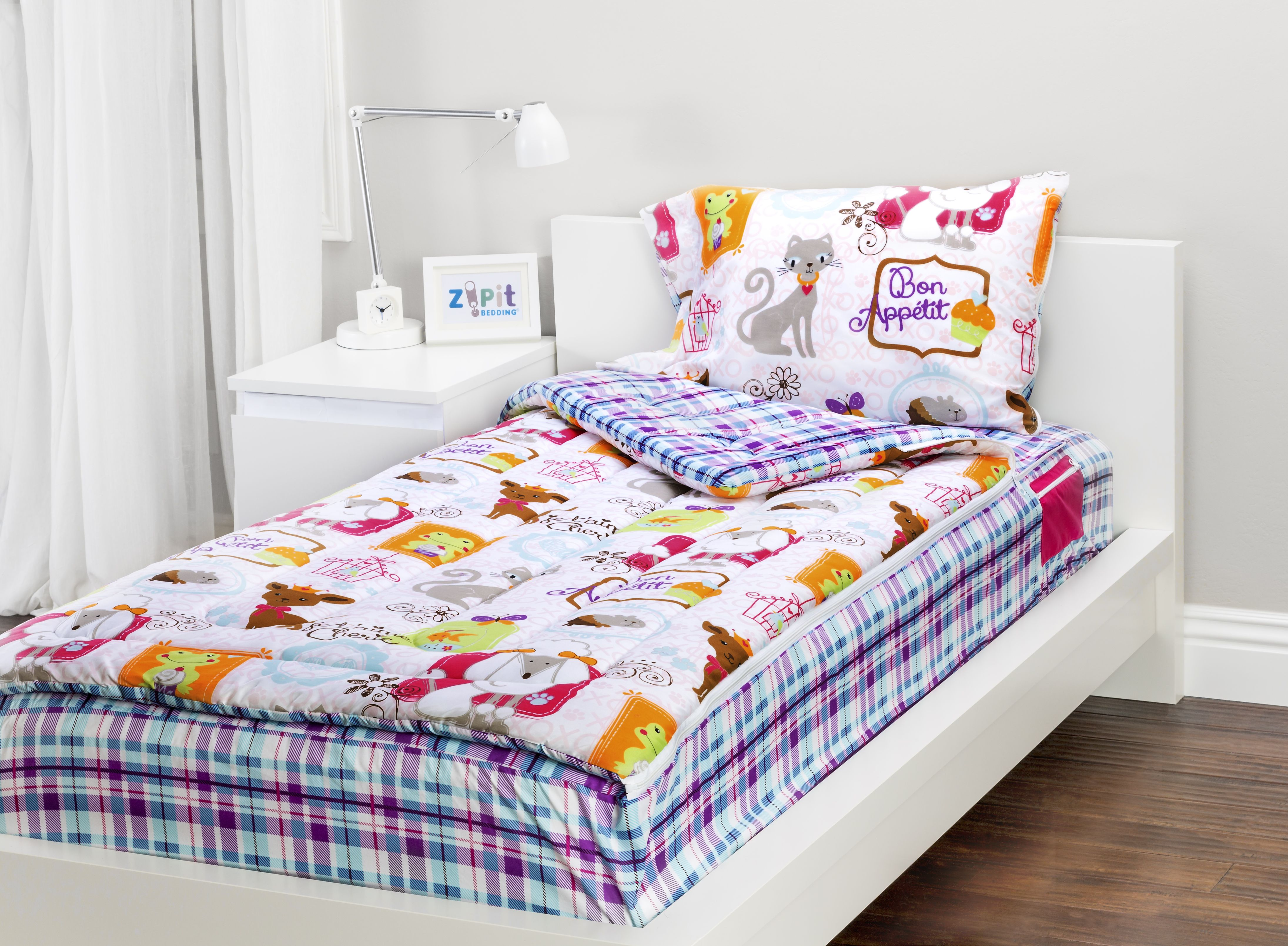 Sweet Stuff Zipit Bedding Set. Zipit Bedding is America's