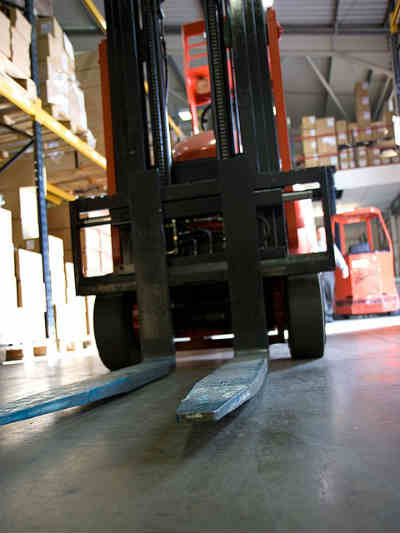Forklift Operation in the Warehouse Safe Forklift