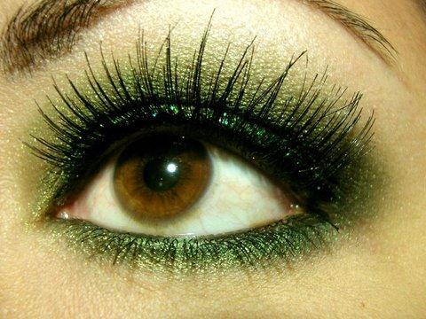 pinbrianna chambo on beauty  green eyeshadow makeup