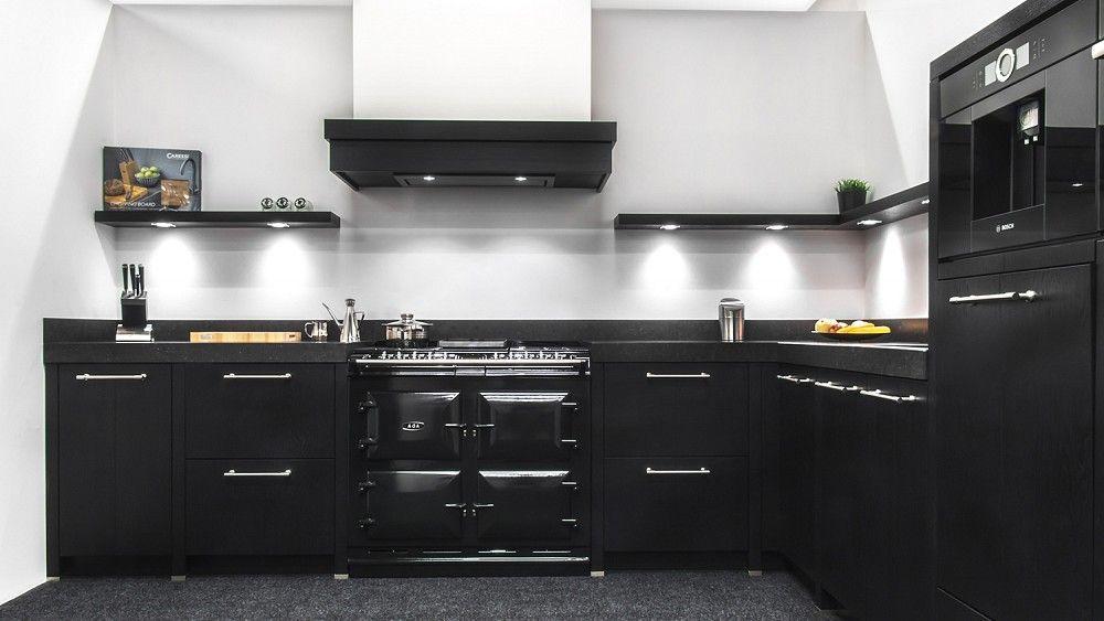 Zwart Keuken Fornuis : Keukenloods zurich zwart stijlvolle zwarte hoekkeuken met