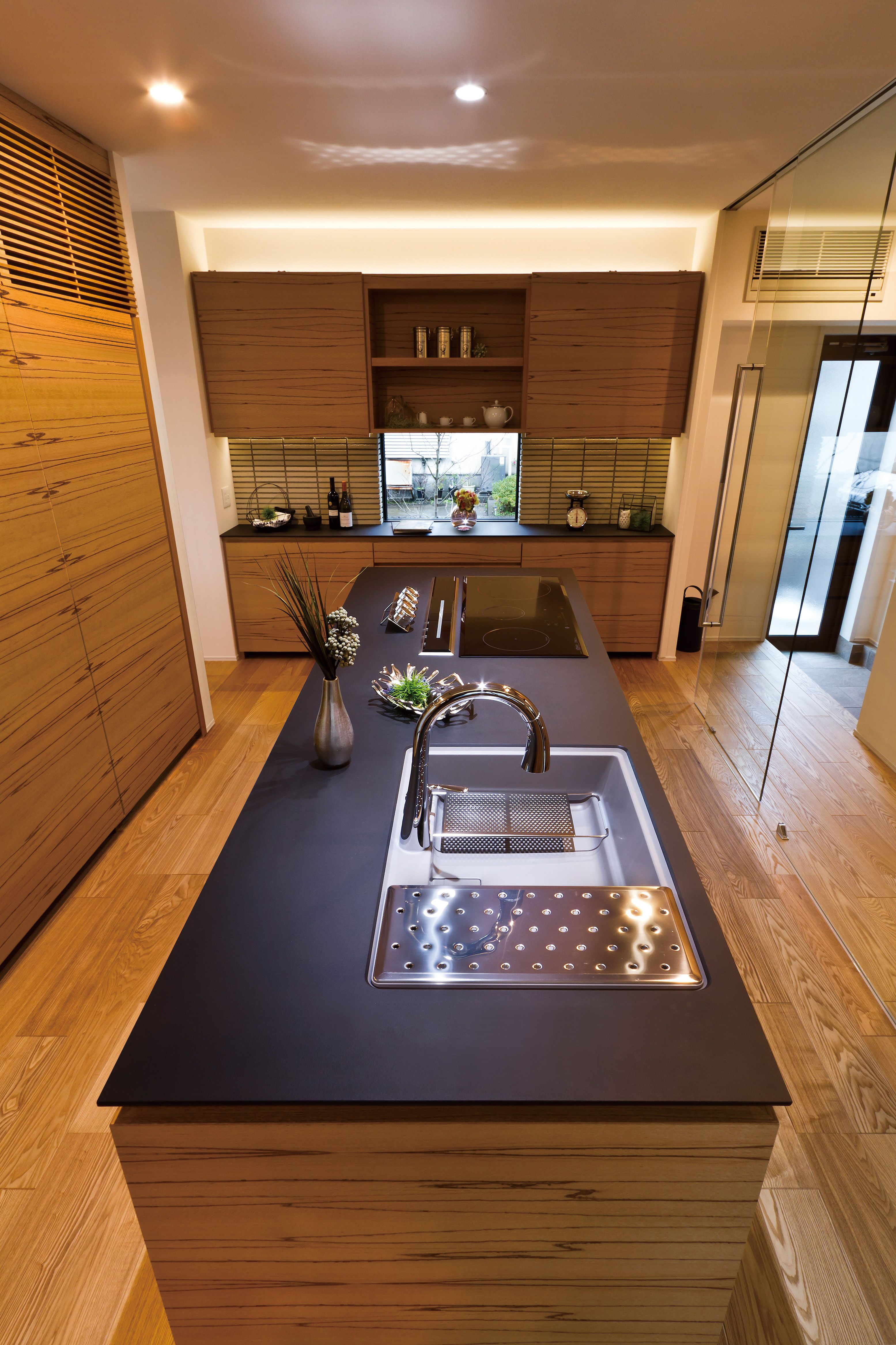 Ultra Surface ウルトラクオーツ キッチン 黒 ブラック 人工大理石
