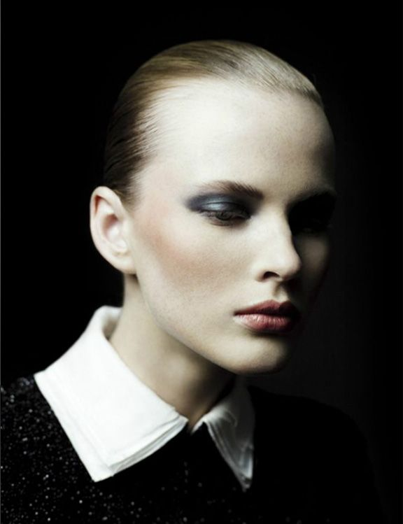 Modell: Anne Vyalitsyna  Photographer: Willy Vanderperre