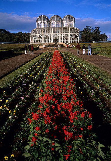 Conheça Curitiba: http://www.lonelyplanetbrasil.com.br/global/dicas-e-artigos/93  Curitiba, Paraná: